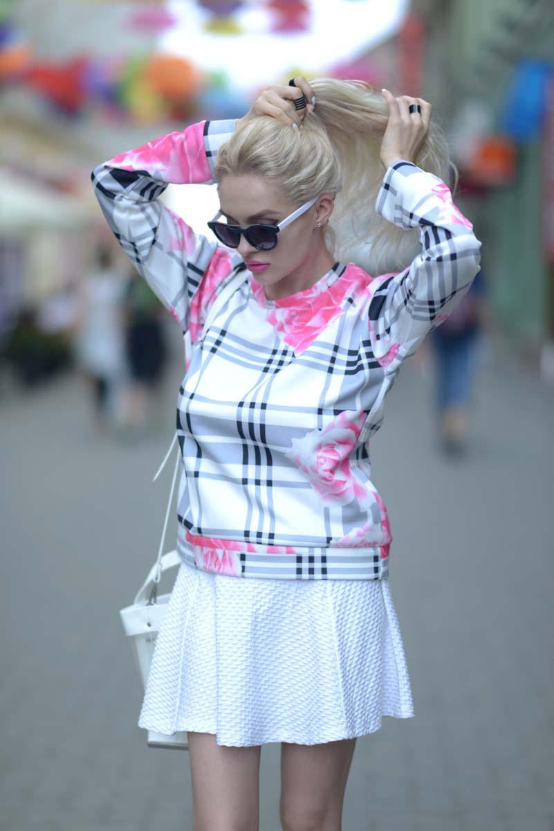 02_pink_shirt_white_skirt_zara