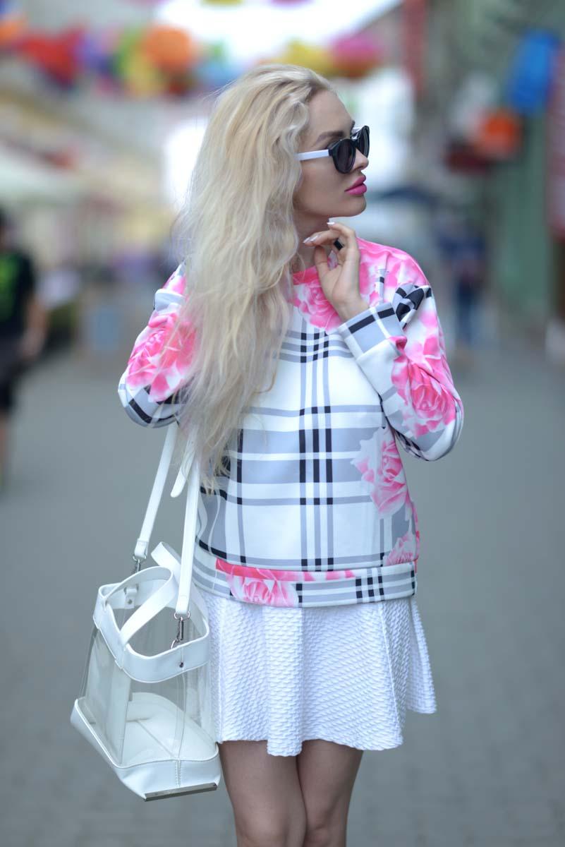 03_pink_shirt_white_skirt_zara