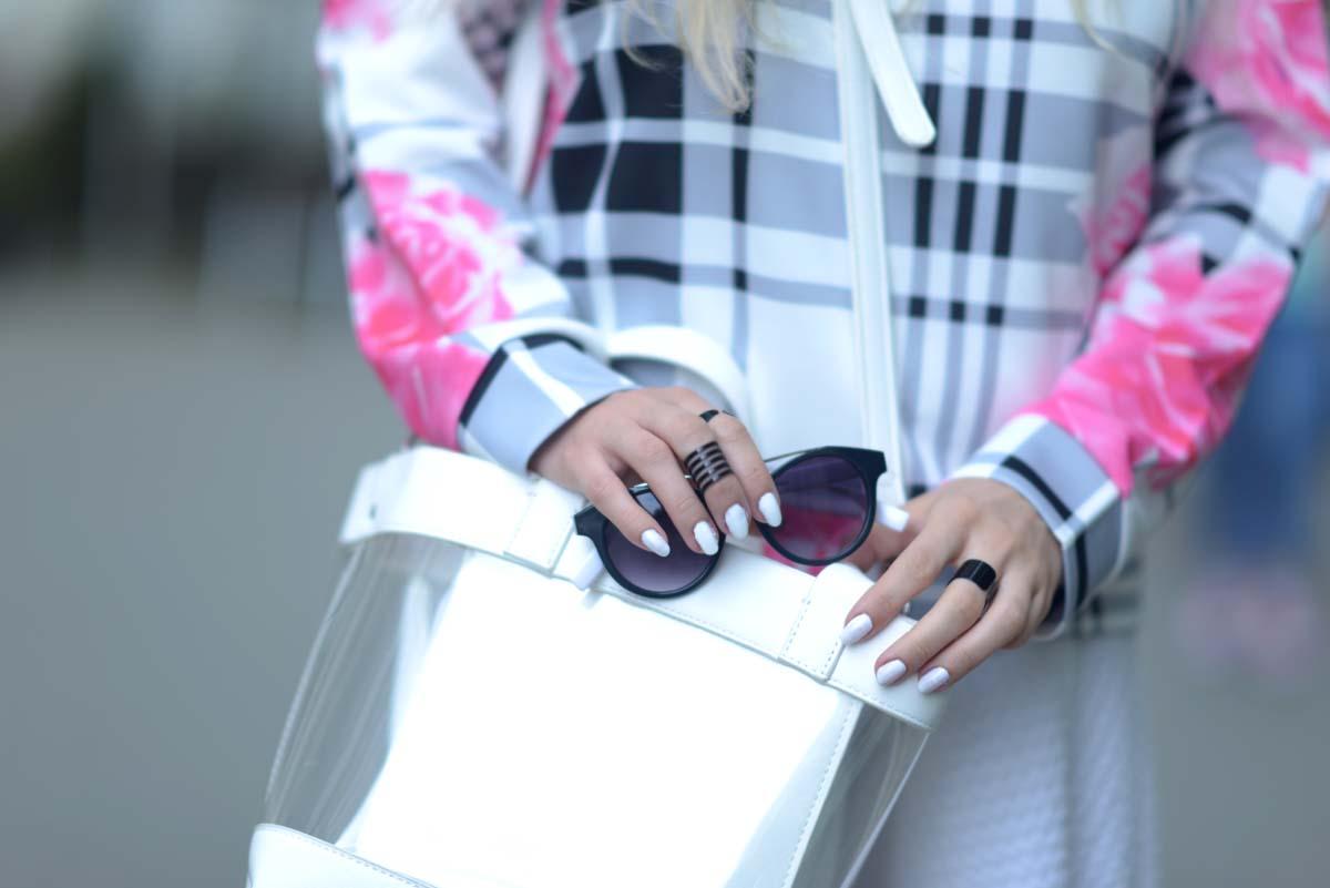 04_pink_shirt_white_skirt_zara
