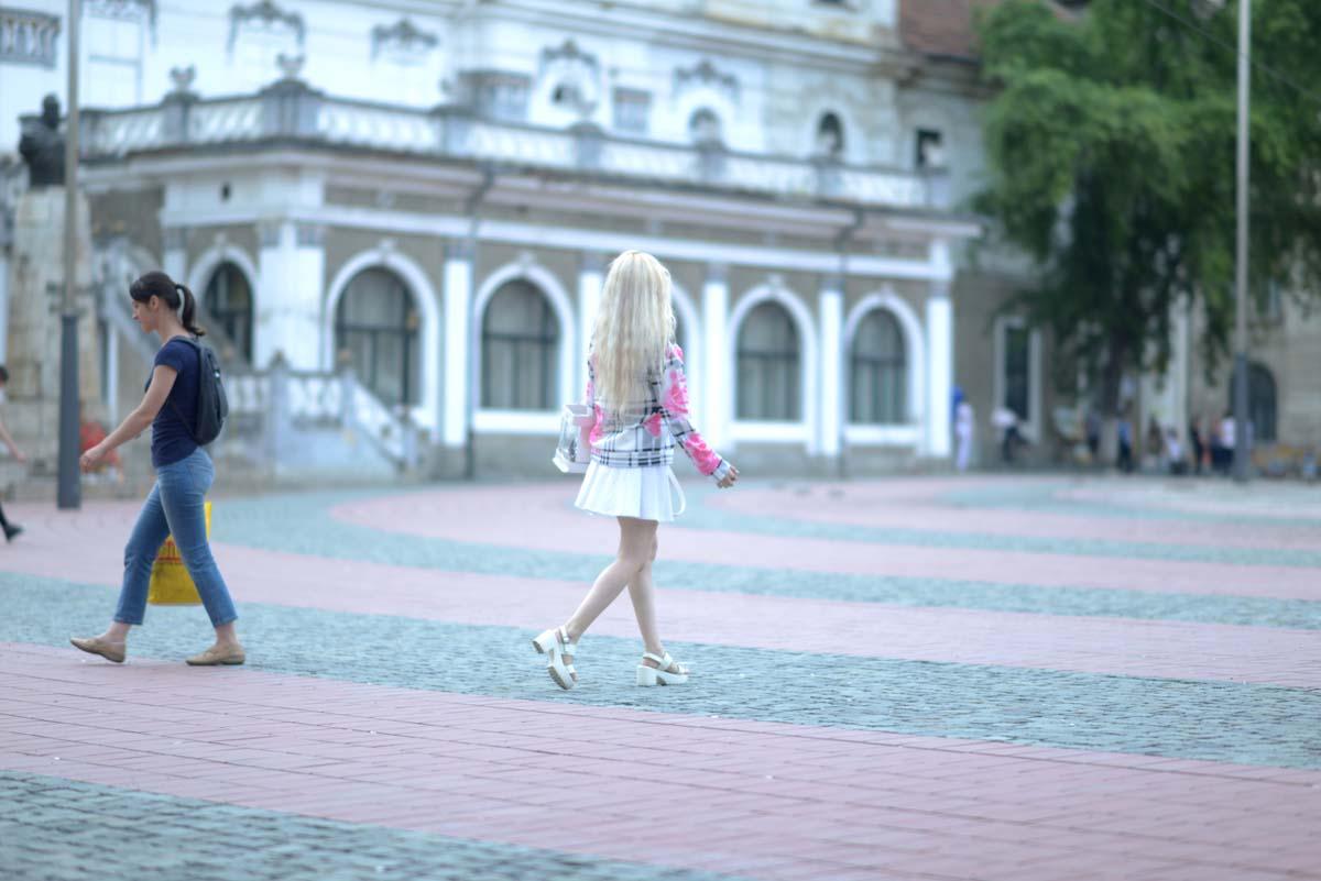 07_pink_shirt_white_skirt_zara