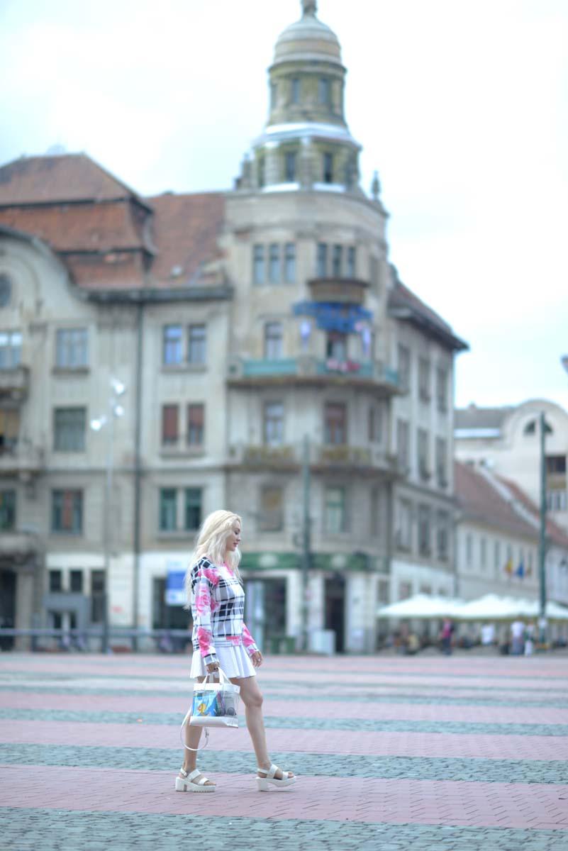 09_pink_shirt_white_skirt_zara