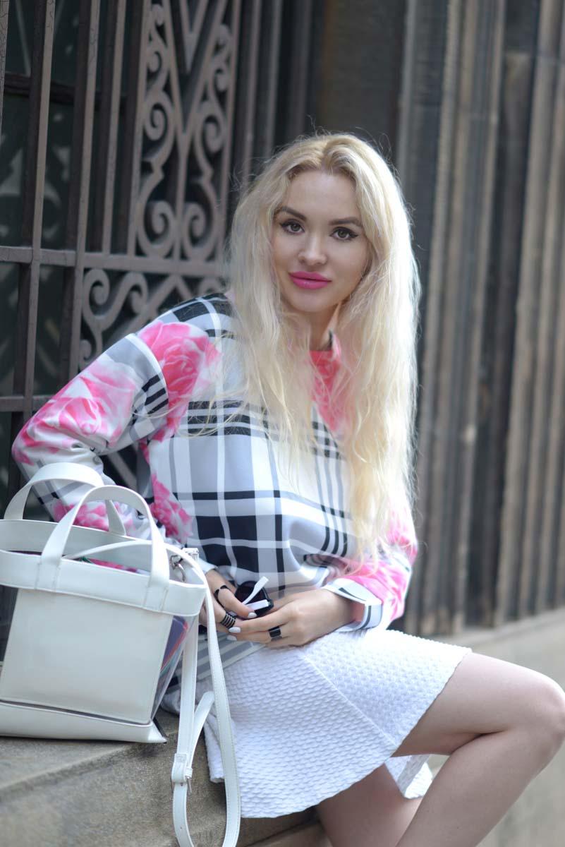 12_pink_shirt_white_skirt_zara