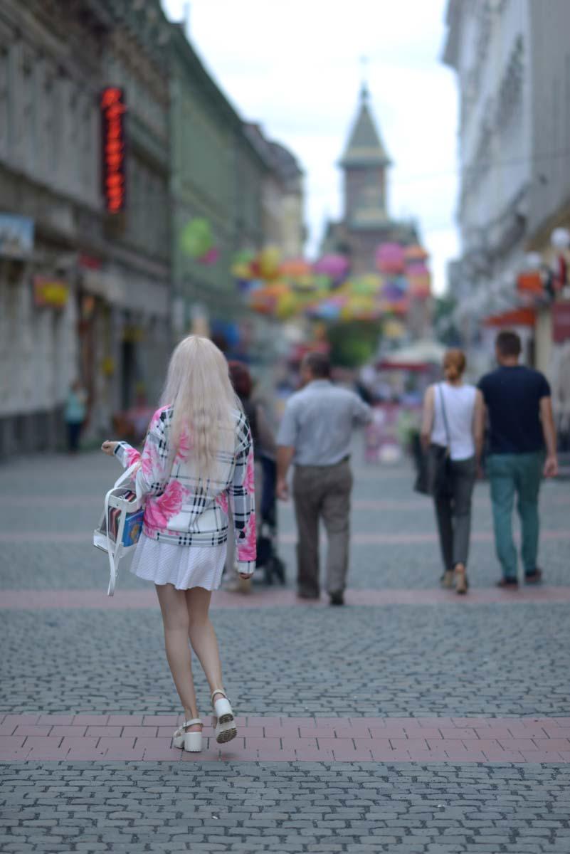 13_pink_shirt_white_skirt_zara