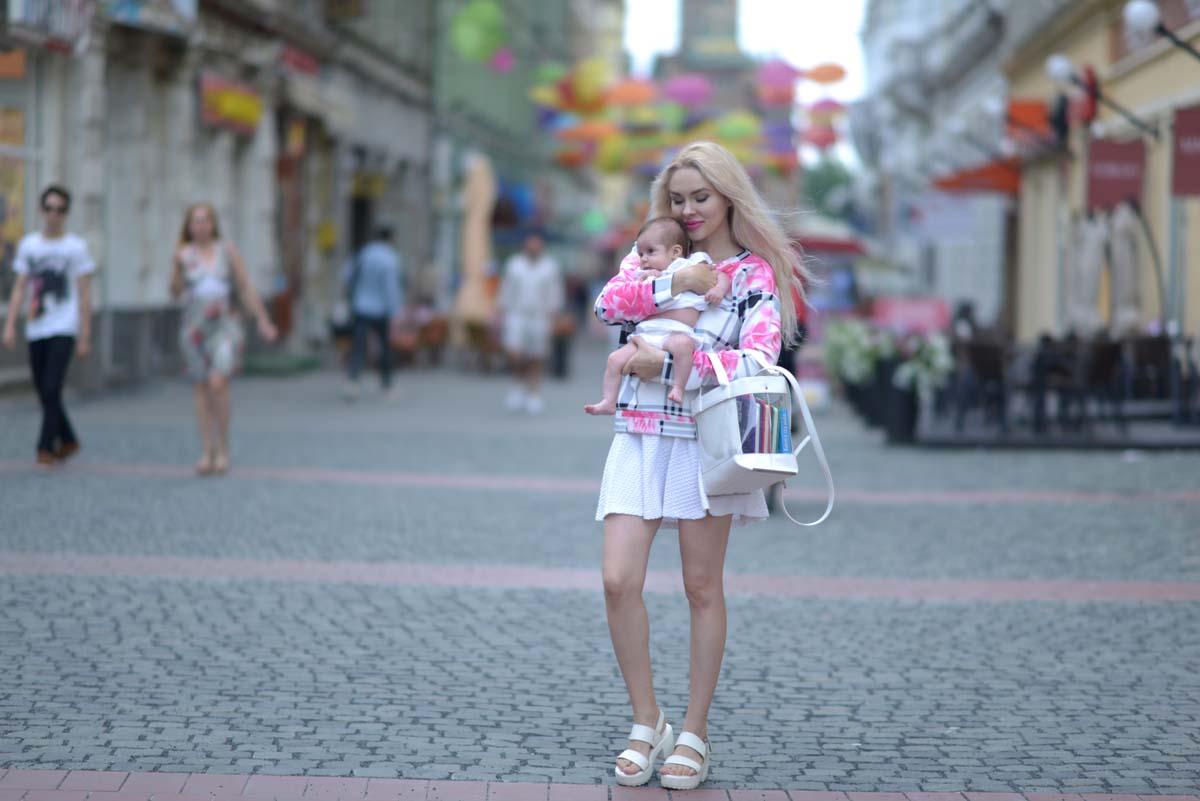 14_pink_shirt_white_skirt_zara