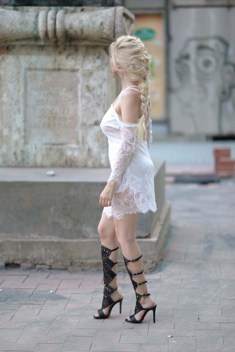 26_white_lace_dress_black_gladiators