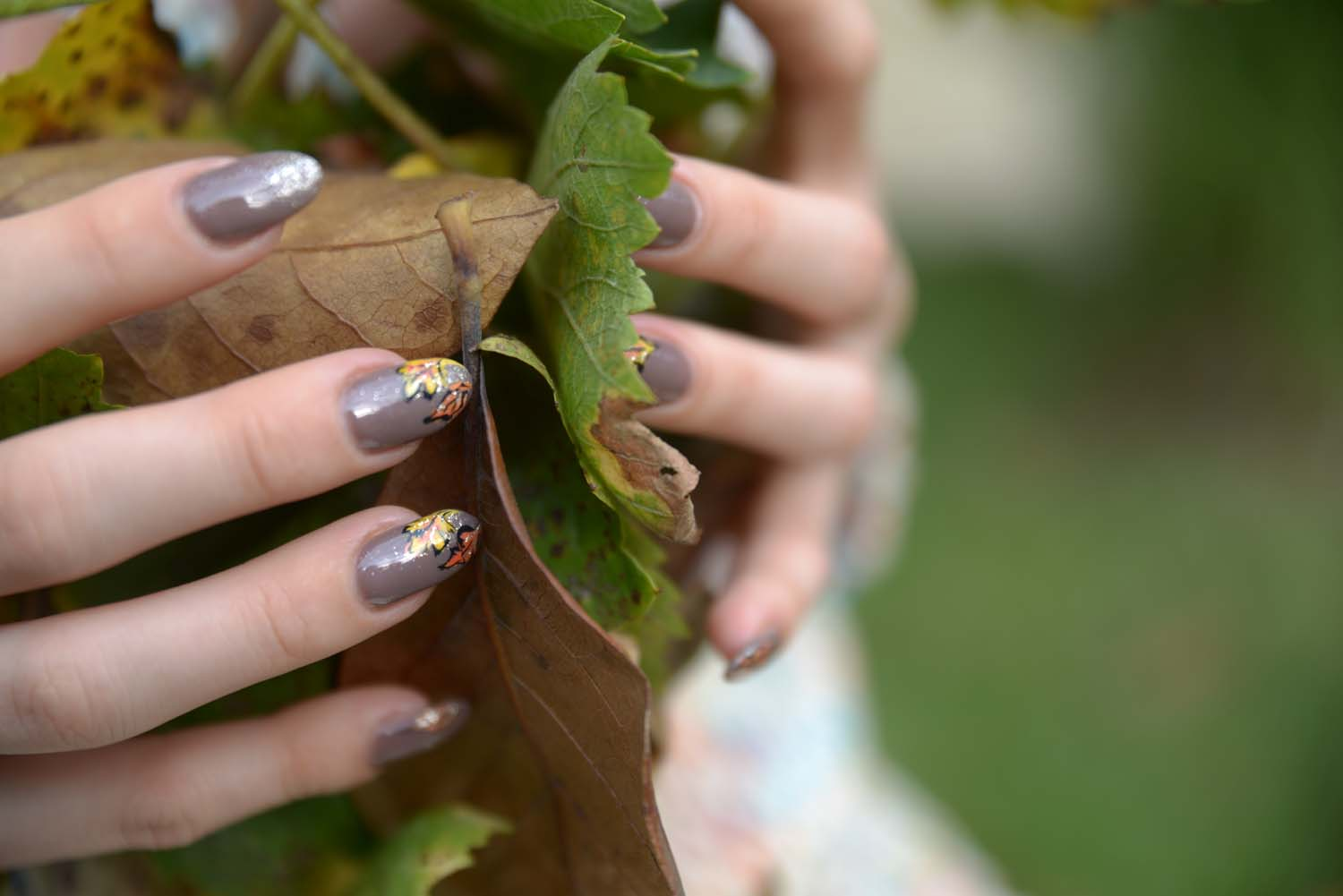 01_fall_nailart