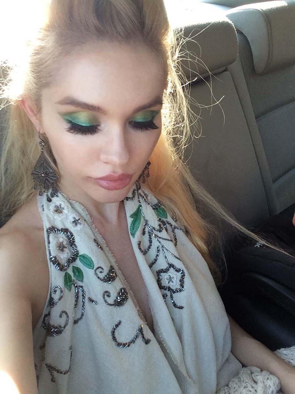 14_green_makeup_scarf_dress
