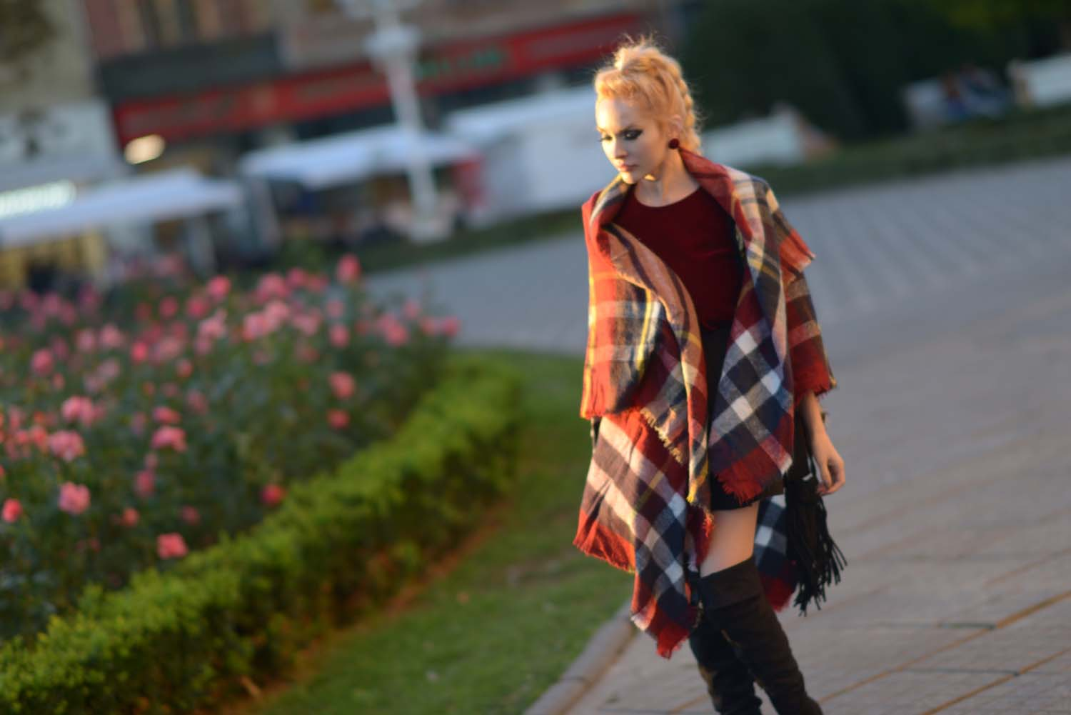 19_tartan_scarf_over_the_knee_boots