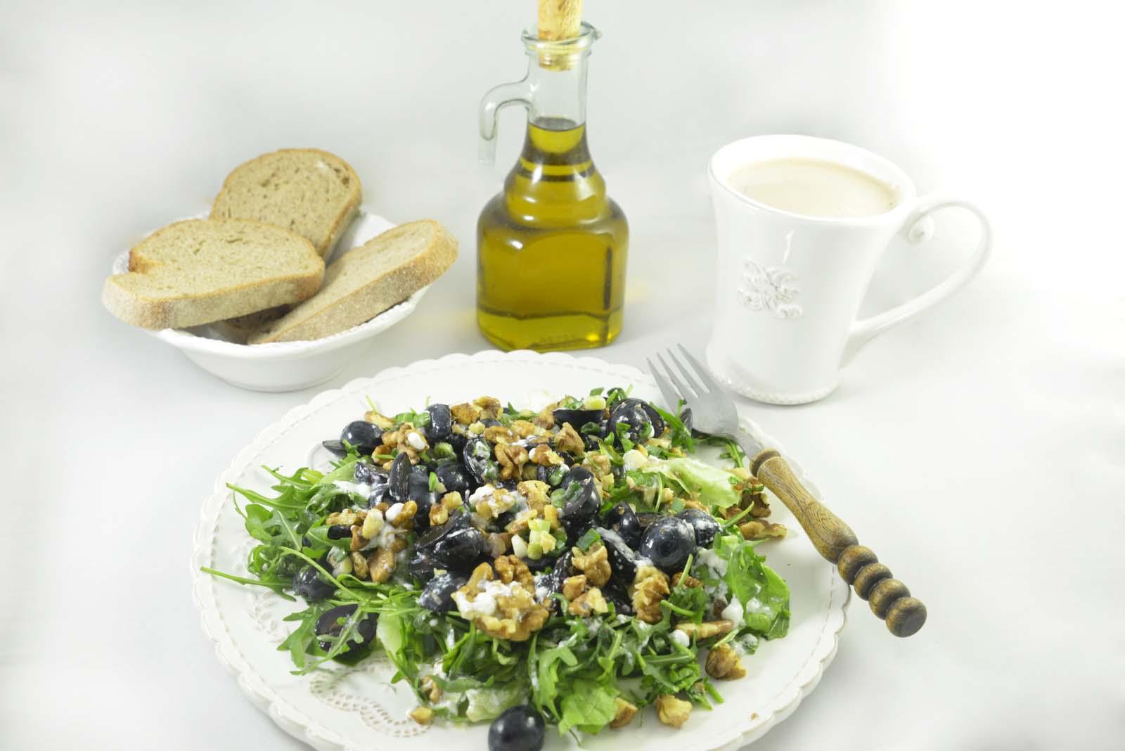 01_arugula_grapes_parmesan_walnuts_salad