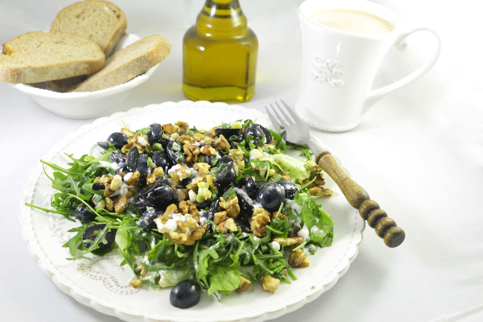02_arugula_grapes_parmesan_walnuts_salad