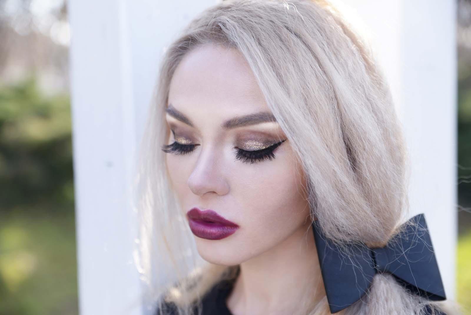 02_black_lace_burgundy_lips_golden_eyes