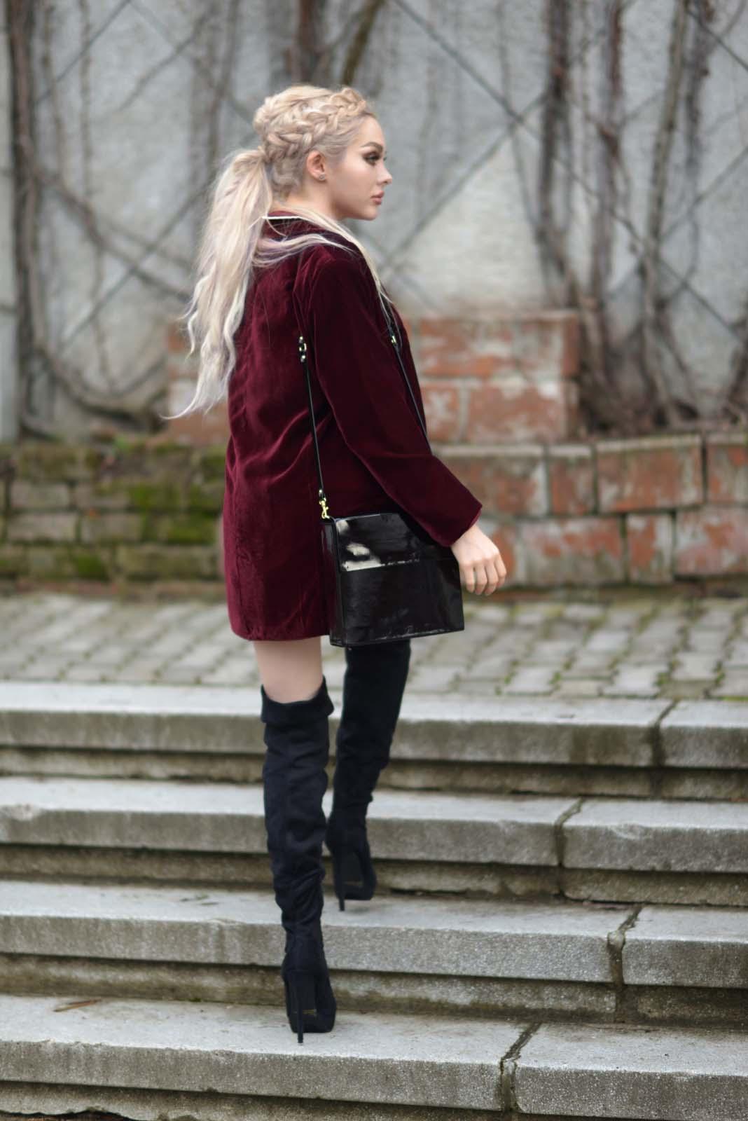 04_hearts_shirt_burgundy_blazer