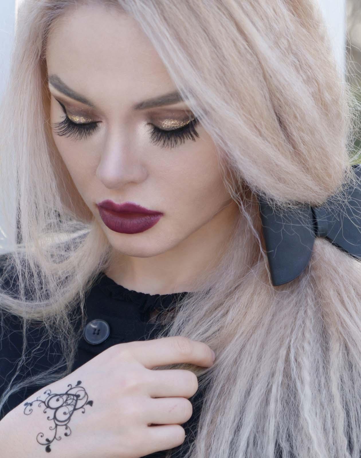 07_black_lace_burgundy_lips_golden_eyes