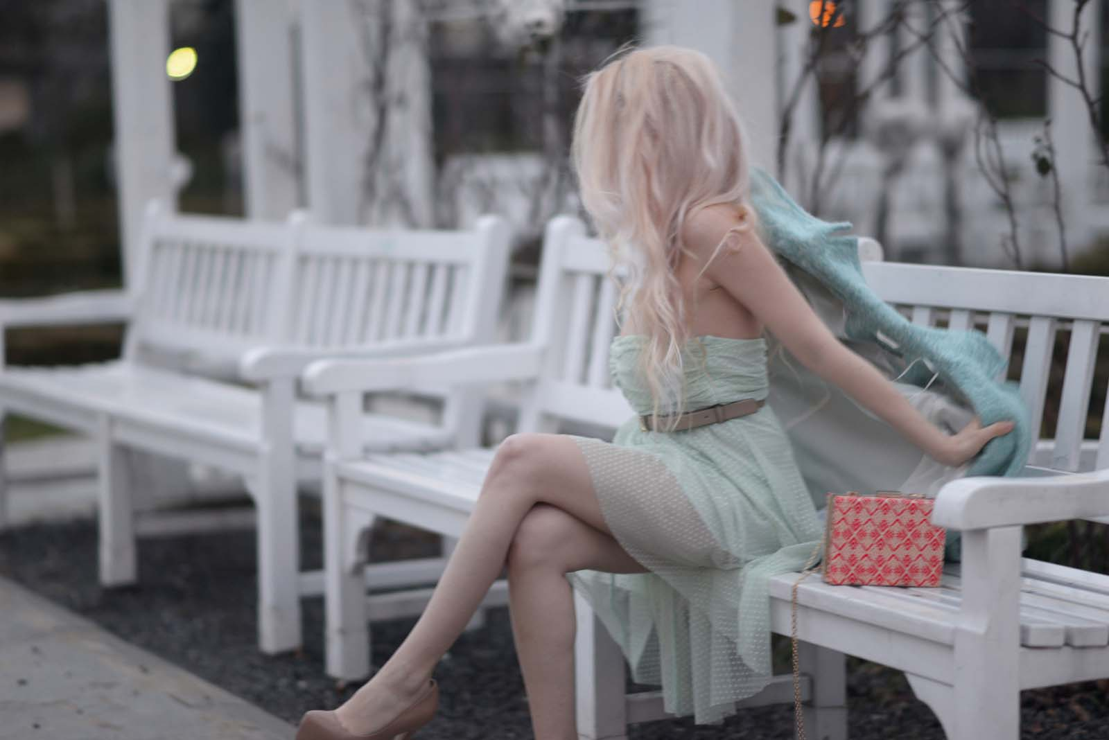 14_mint_dress_coat_zara_orange_lips