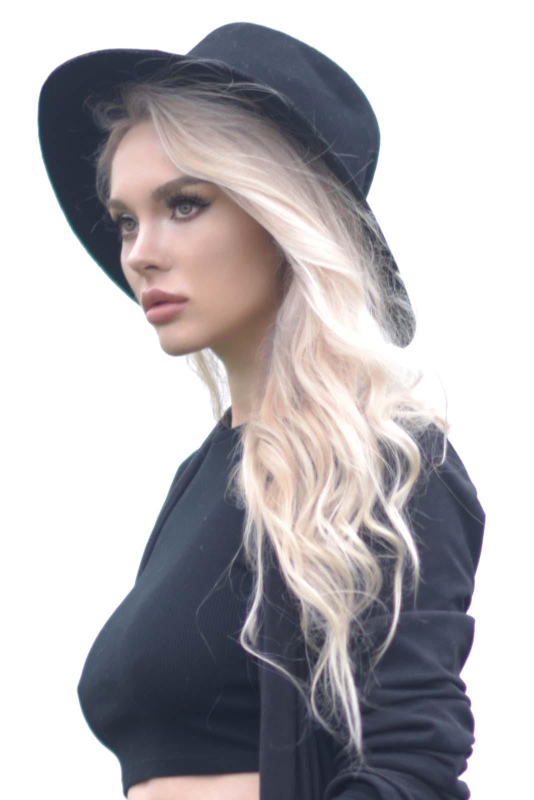 07_vintage_pattern_skirt_black_hat_pompon