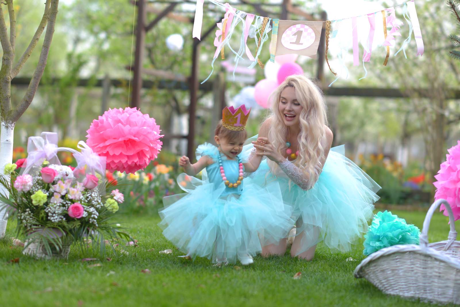 48_baby_girl_first_anniversary_tutu_pompon