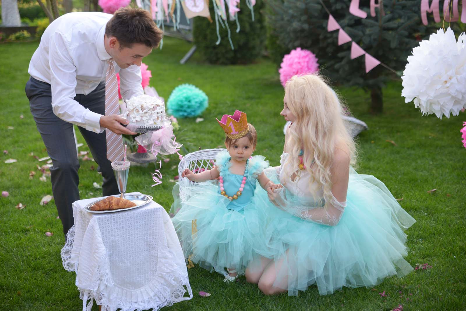 58_baby_girl_first_anniversary_tutu_pompon