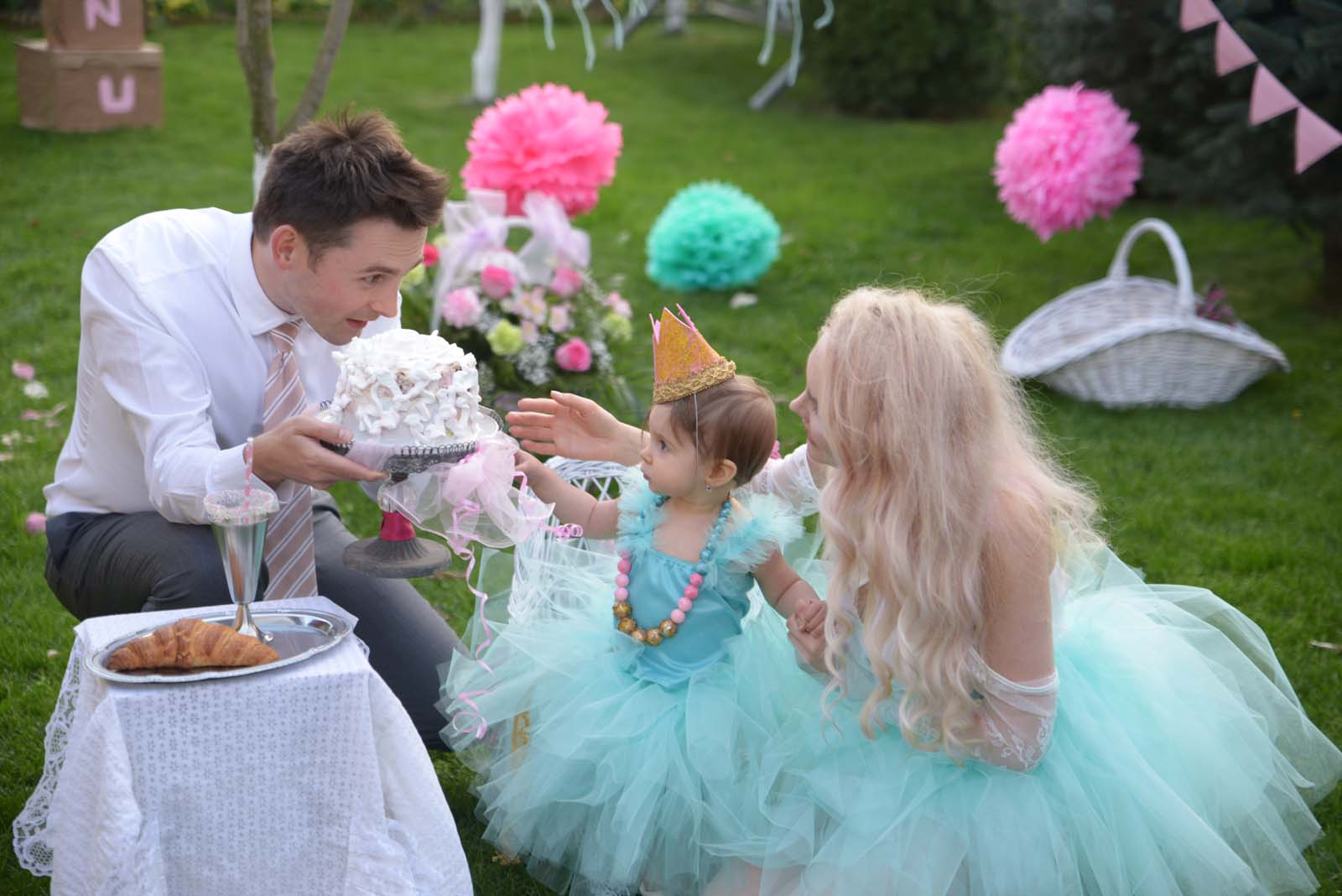 59_baby_girl_first_anniversary_tutu_pompon