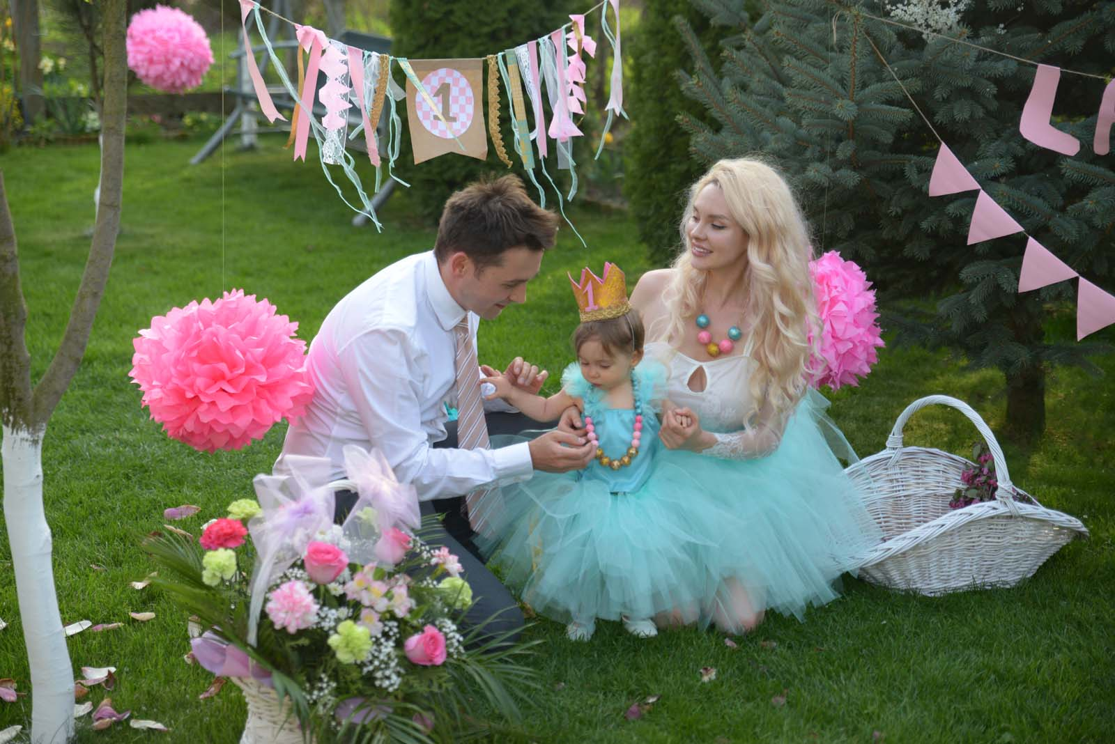 60_baby_girl_first_anniversary_tutu_pompon