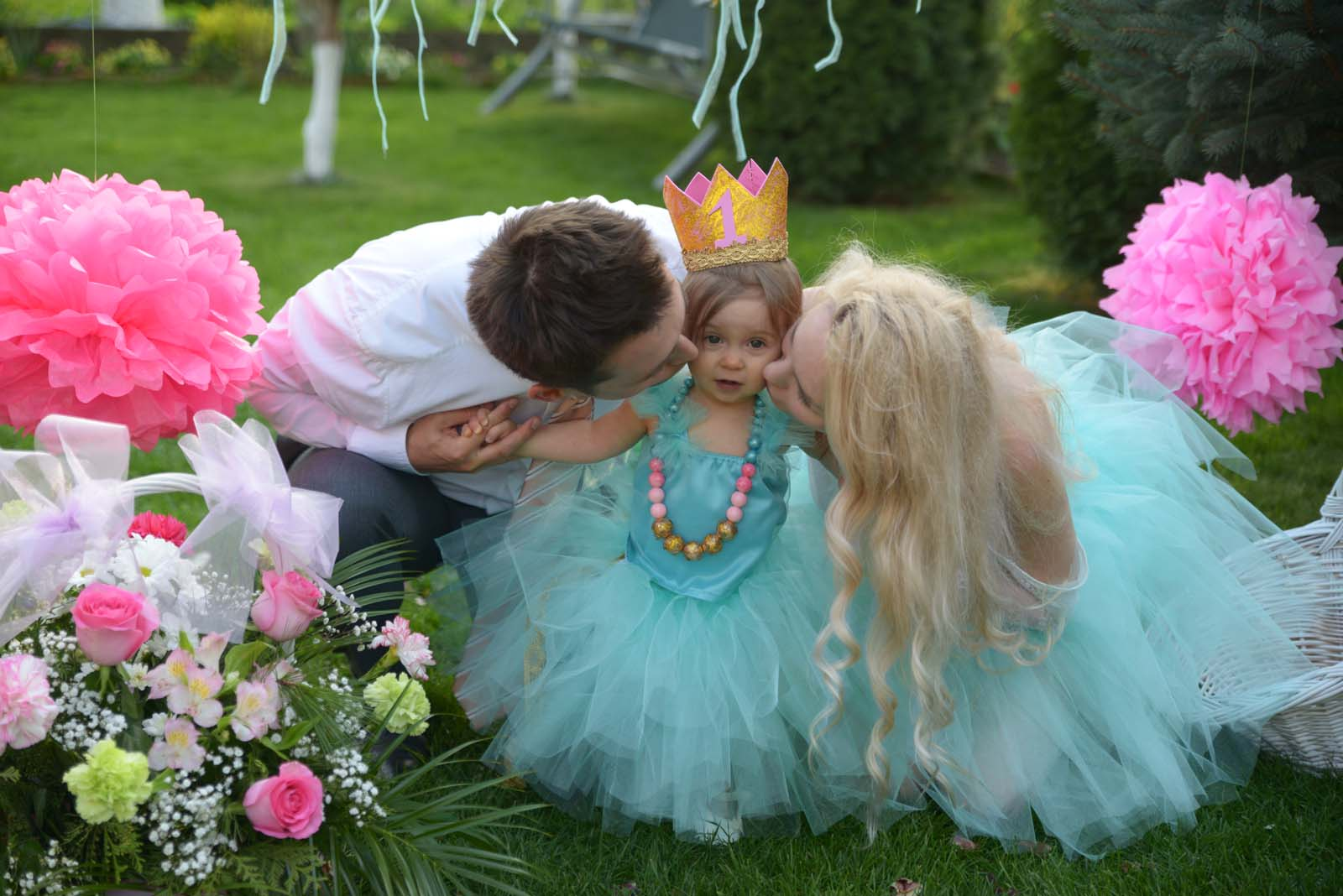 61_baby_girl_first_anniversary_tutu_pompon