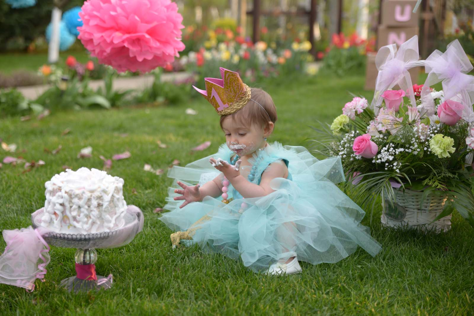 73_baby_girl_first_anniversary_tutu_pompon