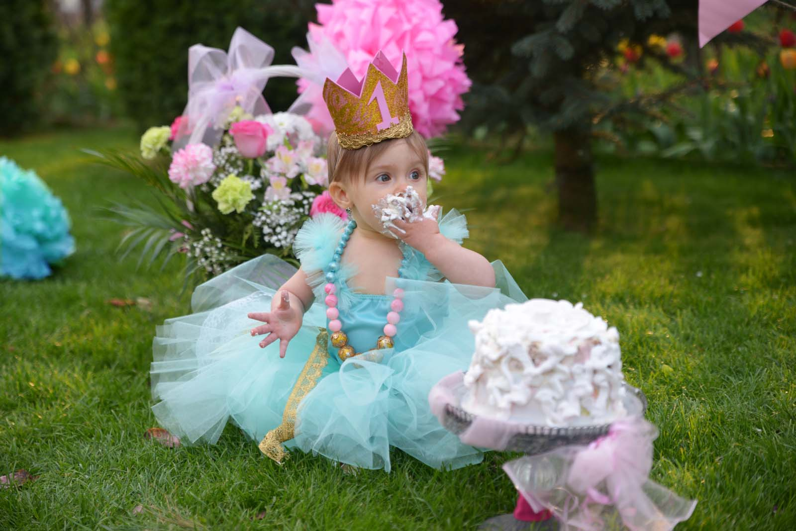 76_baby_girl_first_anniversary_tutu_pompon