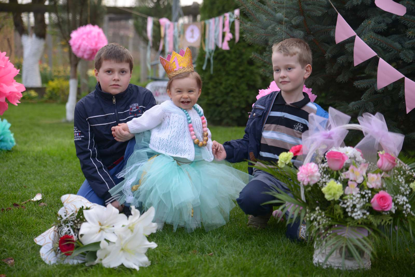 91_baby_girl_first_anniversary_tutu_pompon