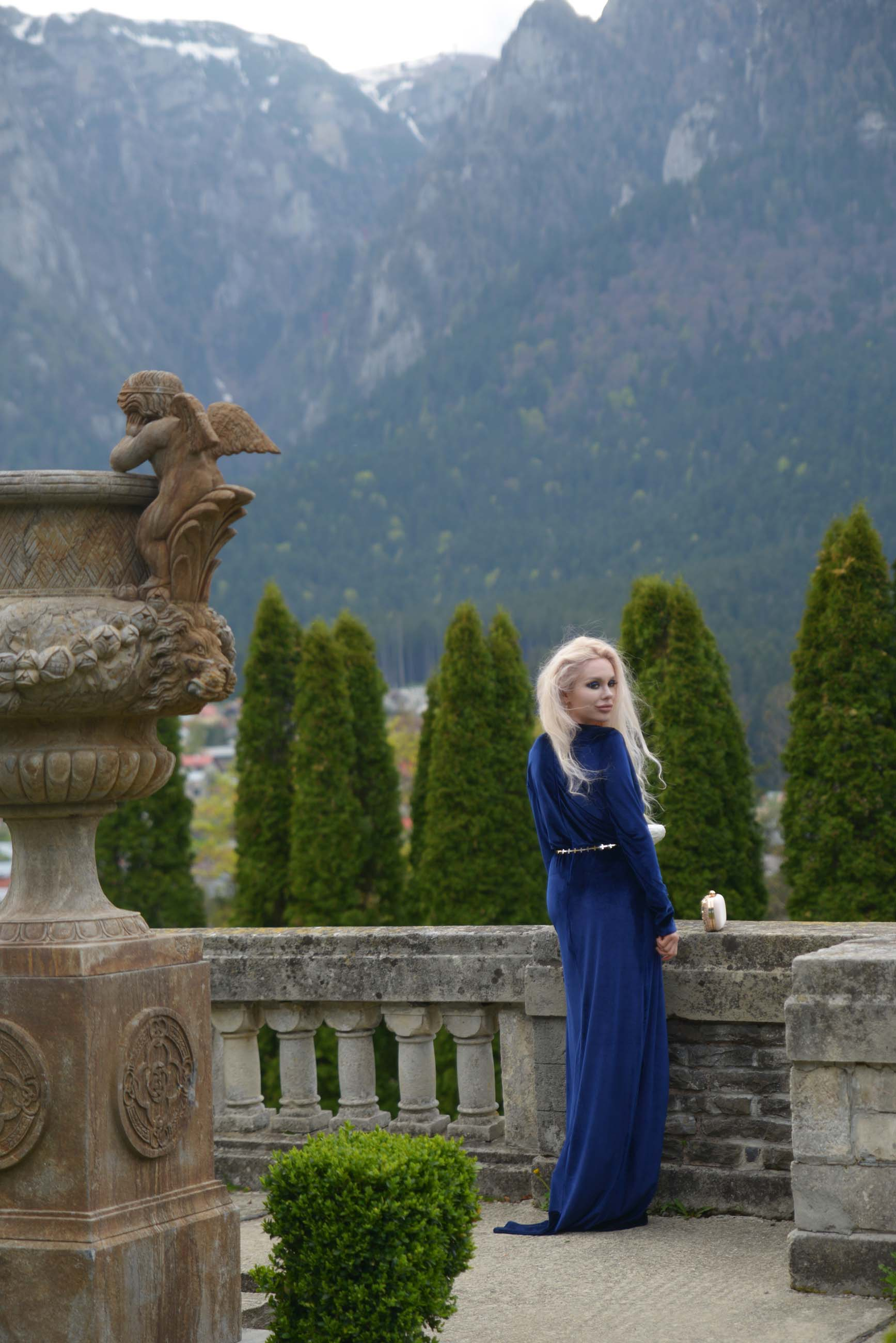 13_cantacuzino_palace_blue_royal_velvet_dress