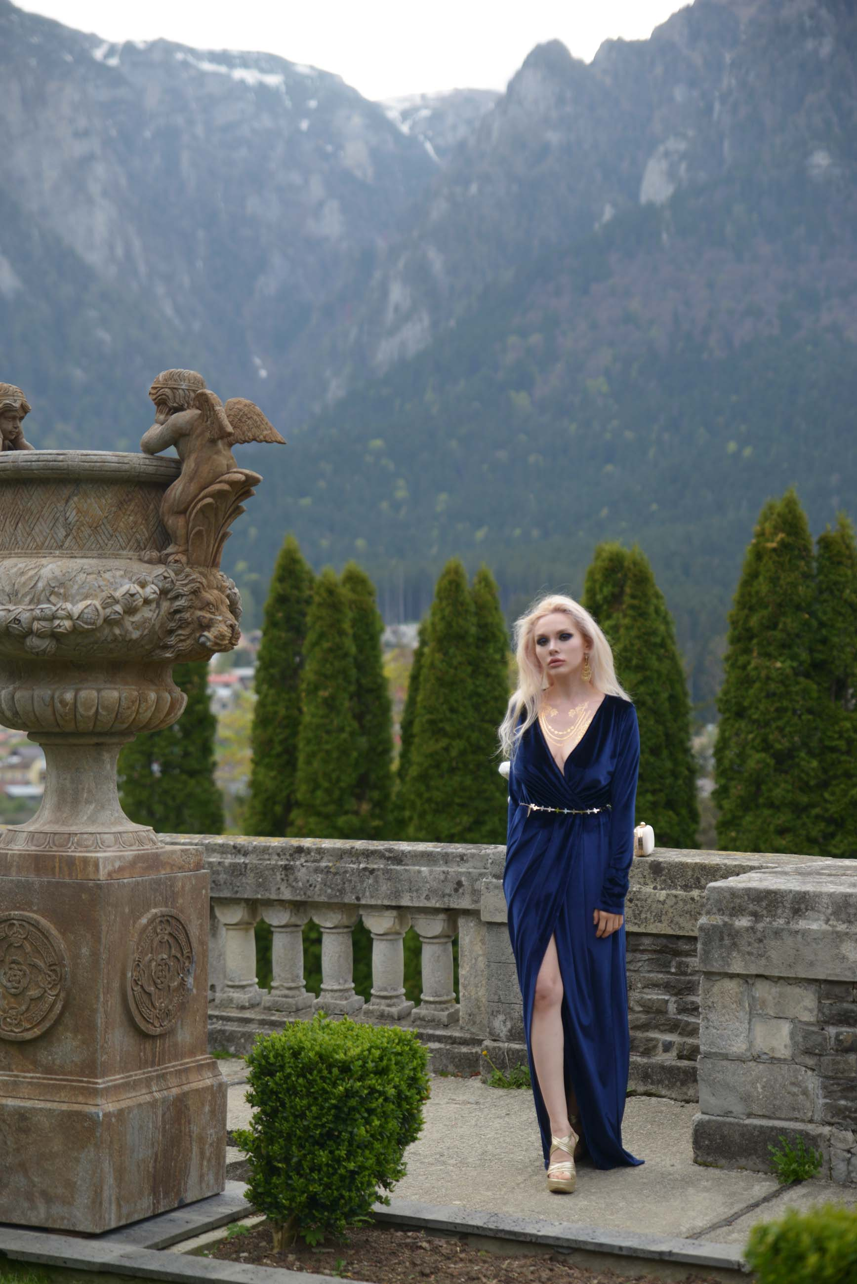 15_cantacuzino_palace_blue_royal_velvet_dress