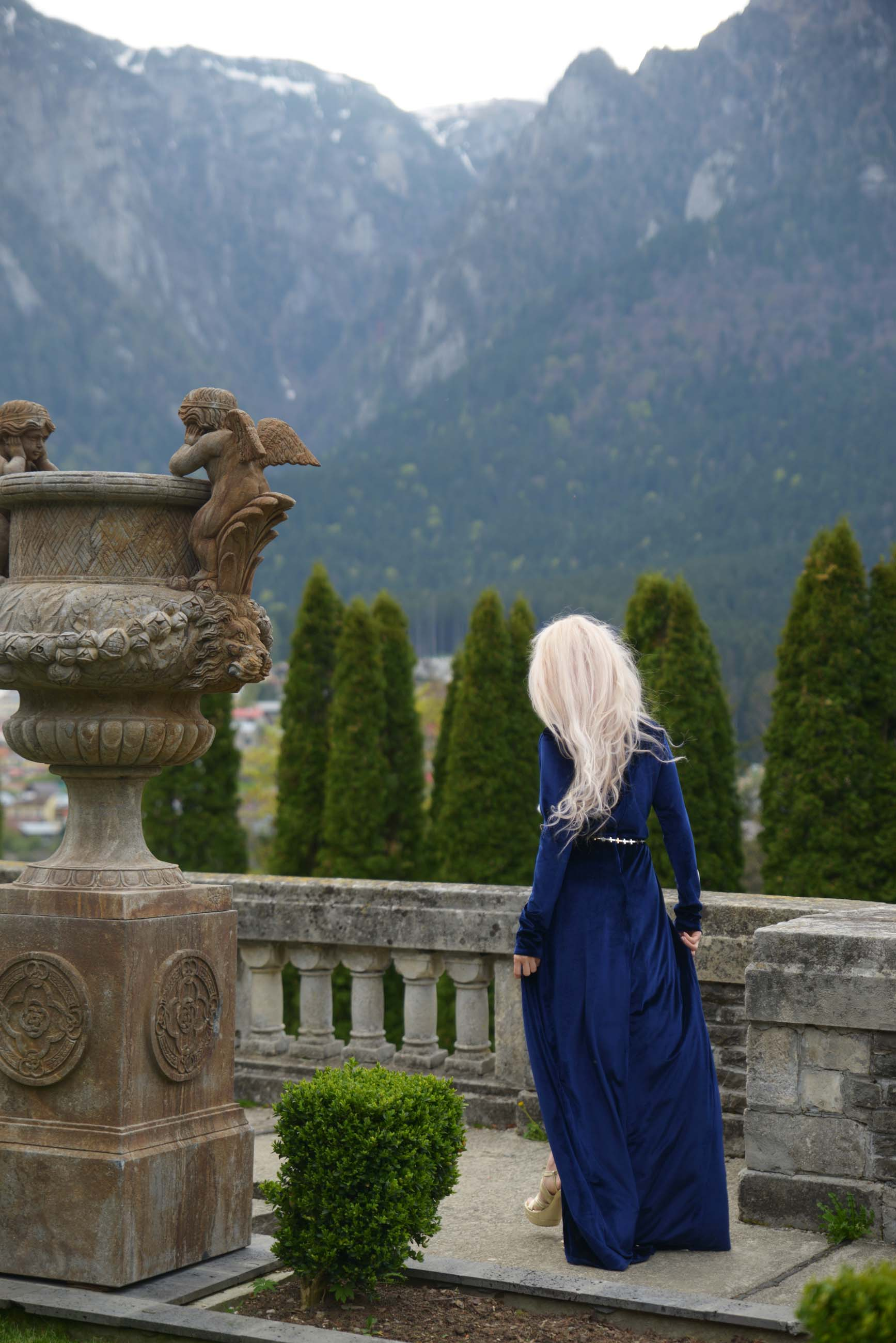 16_cantacuzino_palace_blue_royal_velvet_dress