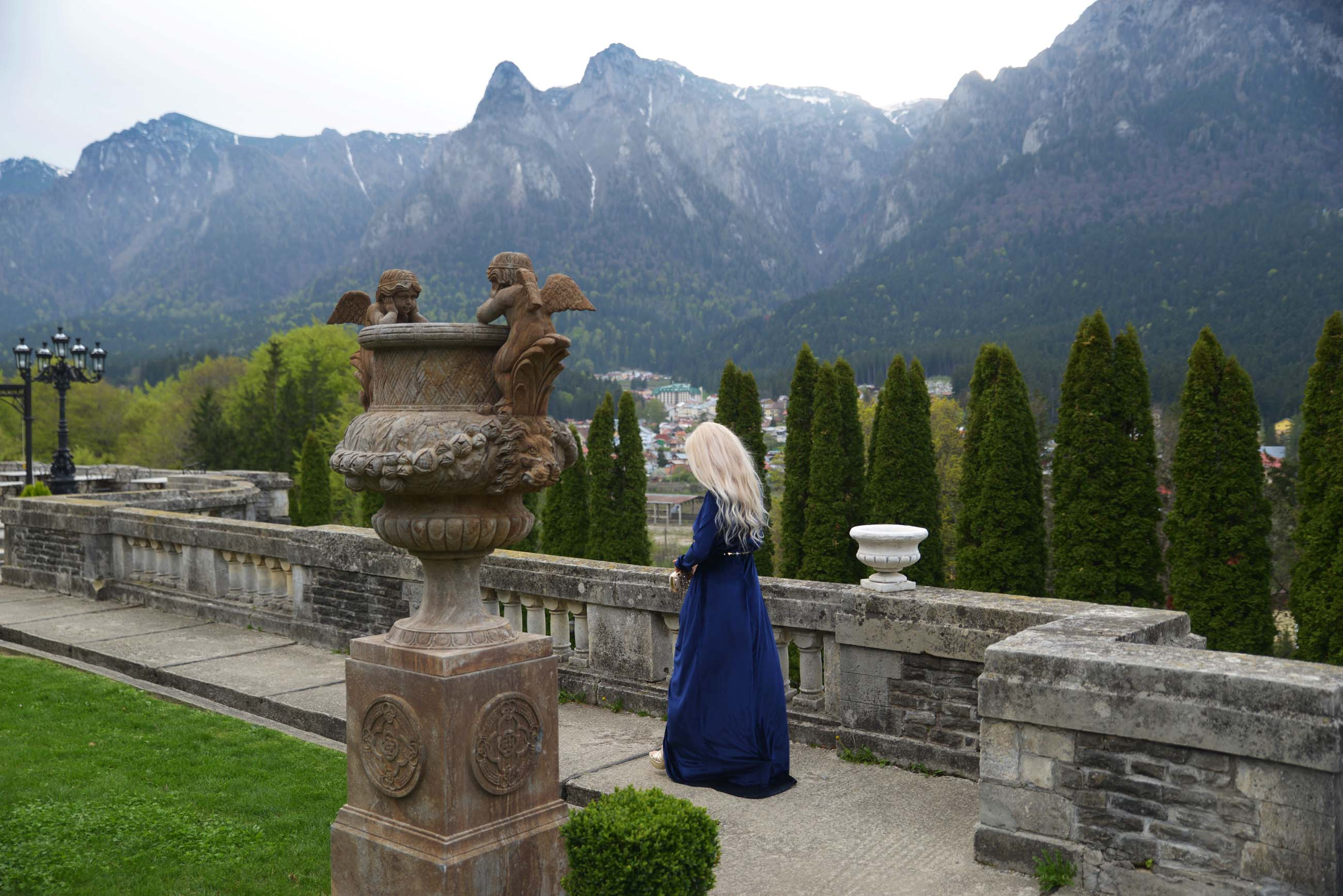 19_cantacuzino_palace_blue_royal_velvet_dress
