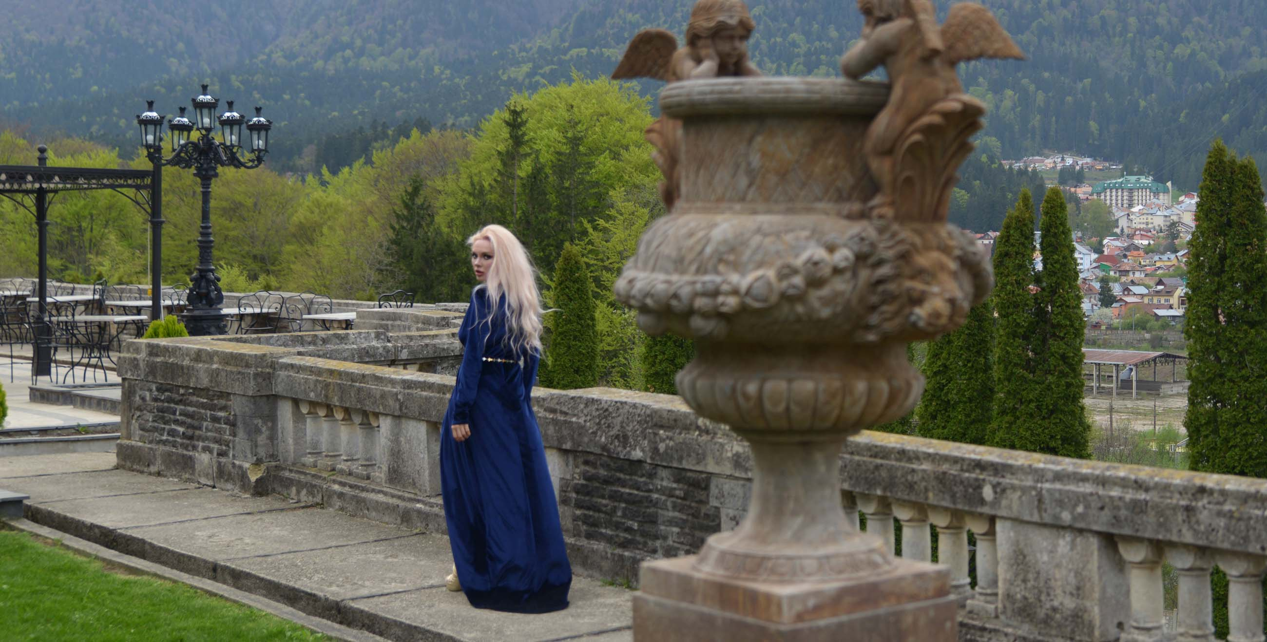 21_cantacuzino_palace_blue_royal_velvet_dress