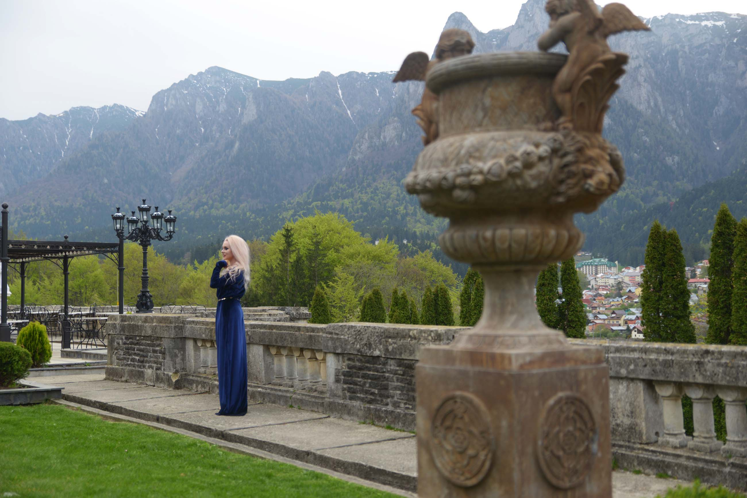 22_cantacuzino_palace_blue_royal_velvet_dress