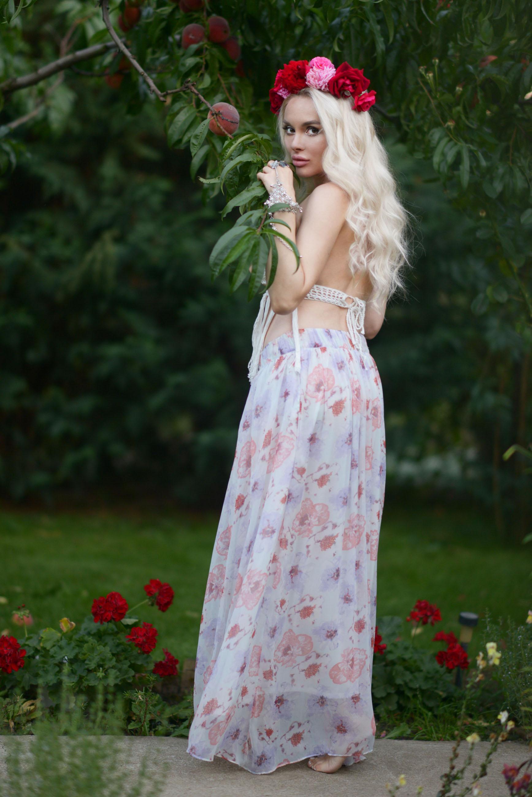 01_flower_crown_crochet_bralette
